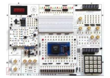 基本实验: (l)门电路逻辑功能及测试; (2)组合逻辑电路(半/全加器)